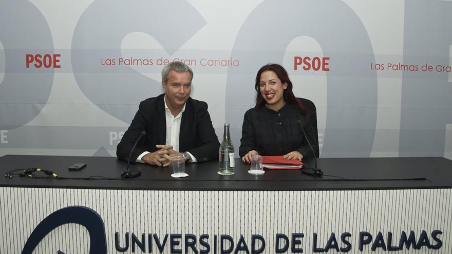 Patricia Hernández y Sebastián Franquis en la Escuela de Invierno de Los Socialistas en Las Palmas de Gran Canaria