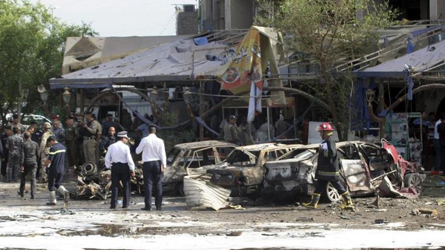 Al menos tres muertos en un doble atentado suicida en un restaurante en Irak