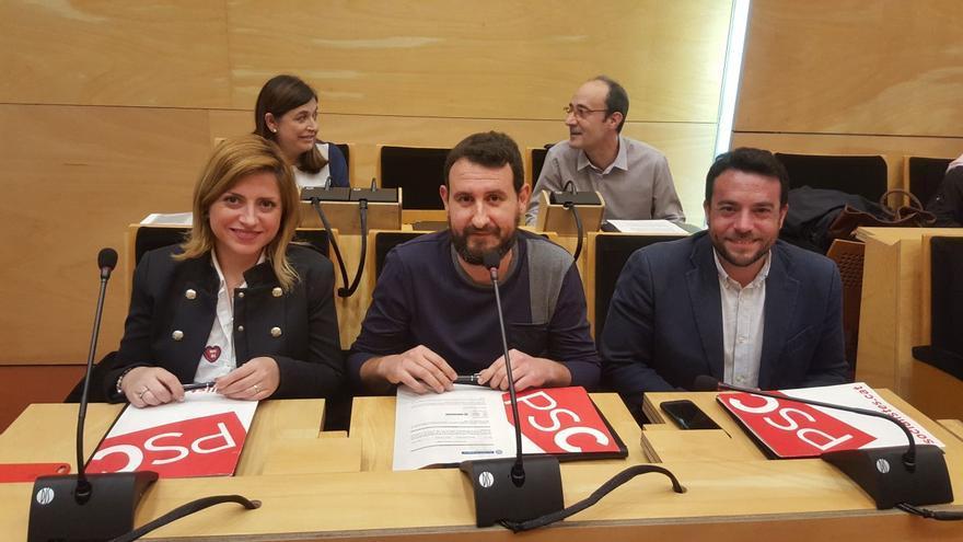 Los tres concejales del PSC en el Ayuntamiento de Badalona