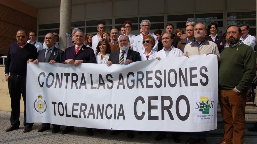 Protesta de médicos en Sevilla por las agresiones en el ámbito sanitario./Sindicato Médico Sevilla
