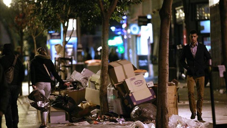 Botella supervisa en el CISEM y en la calle las tareas de limpieza de Tragsa
