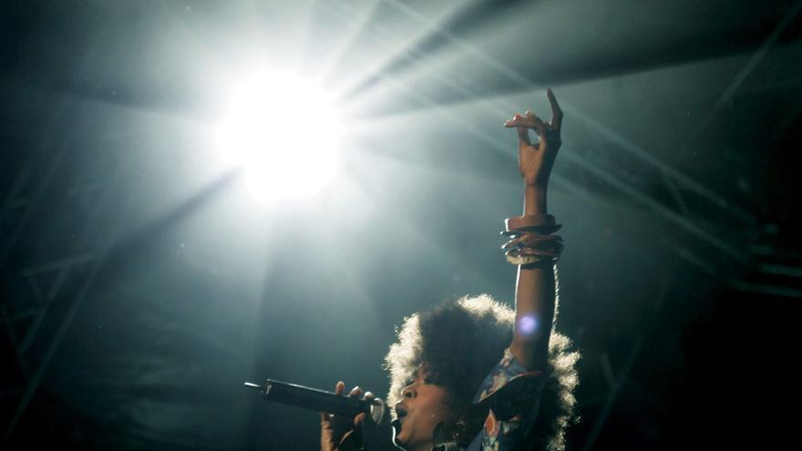 Lauryn Hill durante su actuación en el Festival de Jazz de Estocolmo en 2005