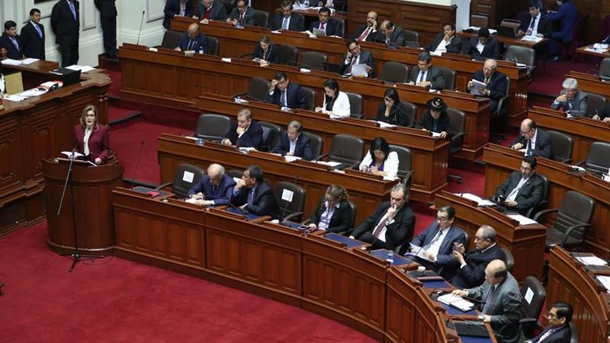 El Congreso de Perú da su confianza al Gobierno de la primera ministra Aráoz