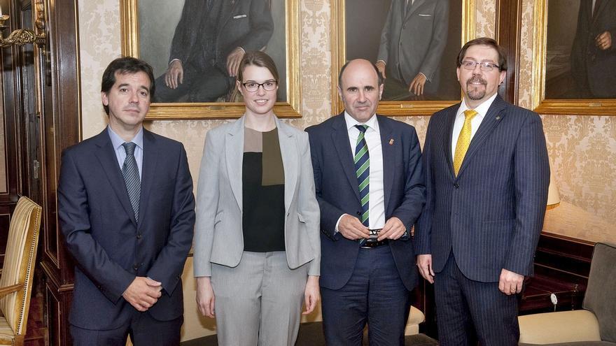 Canadá y Navarra buscan intercambios económicos en energías renovables y alimentación
