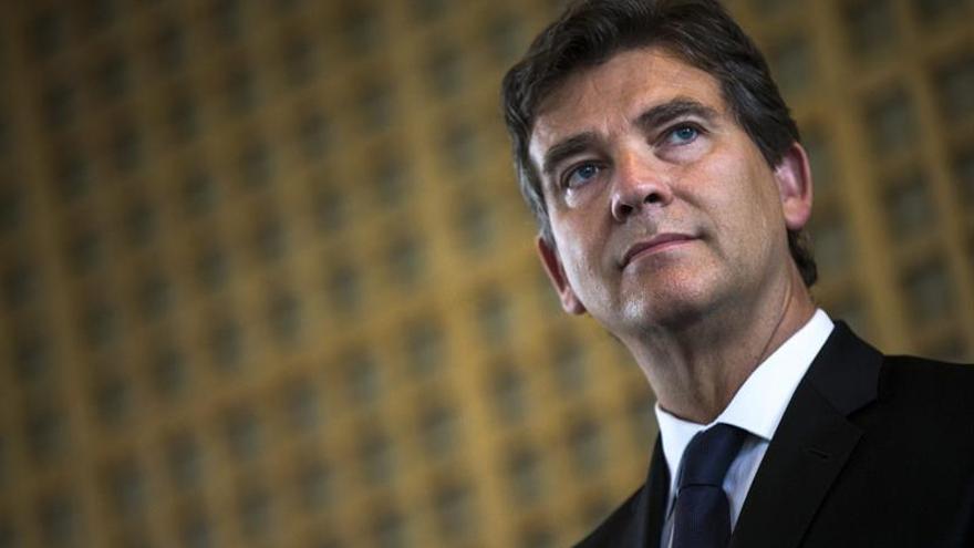 Montebourg, primer candidato a las primarias de la izquierda francesa