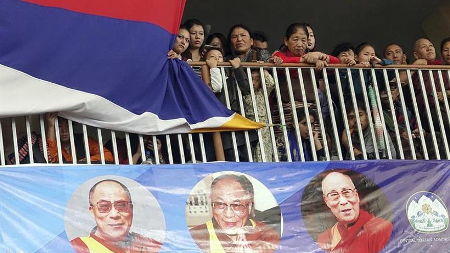 """Nepal prohíbe celebrar el cumpleaños  del Dalái Lama para no herir a """"naciones amigas"""""""