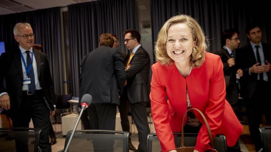 La vicepresidenta de Asuntos Económicos, Nadia Calviño, en una reunión de gobernadores del MEDE, el 21 de junio de 2018.