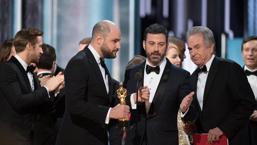 La auditora PwC lamenta el error de los Óscar y anuncia una investigación