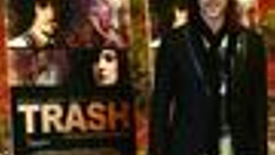 Óscar Jaenada en el estreno de Thash