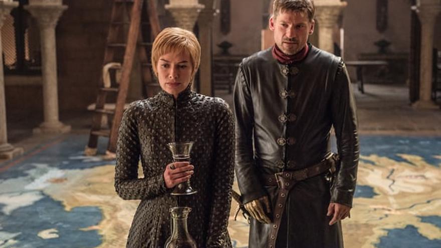 Cersei y Jamie Lannister haciendo recuento de sus aliados