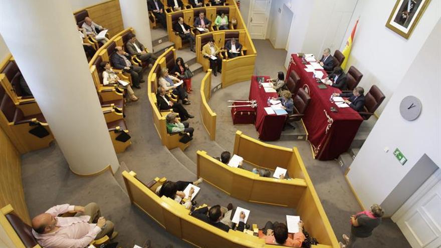 Retiran a Franco las cuatro distinciones y honores de la Diputación de A Coruña