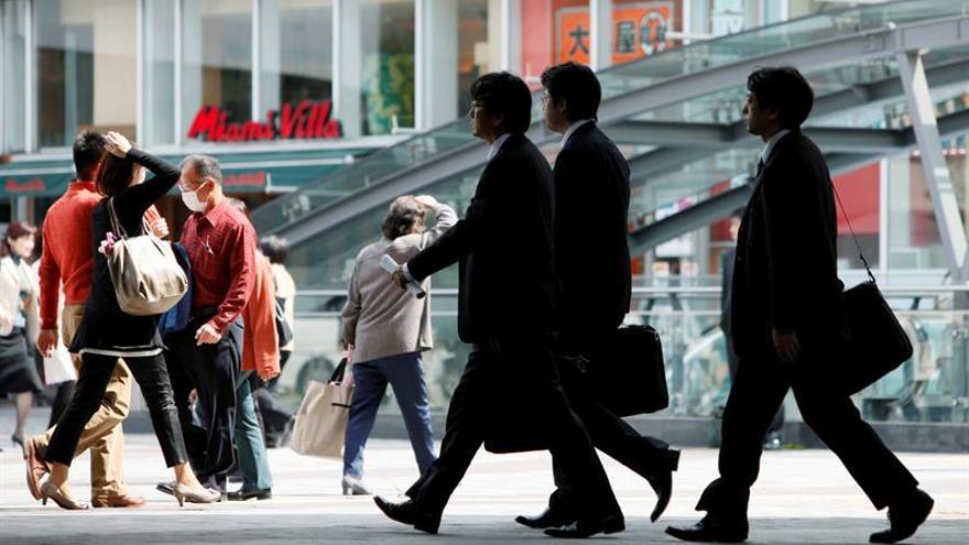 Una campaña para enseñar a los japoneses a trabajar menos y gastar más