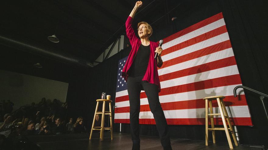 El ascenso de Elizabeth Warren ha sido sin prisa pero sin detenerse y amenaza la candidatura de Bernie Sanders.
