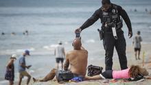 La privatización de las playas se convierte en un foco de tensión en EEUU para un verano de pandemia