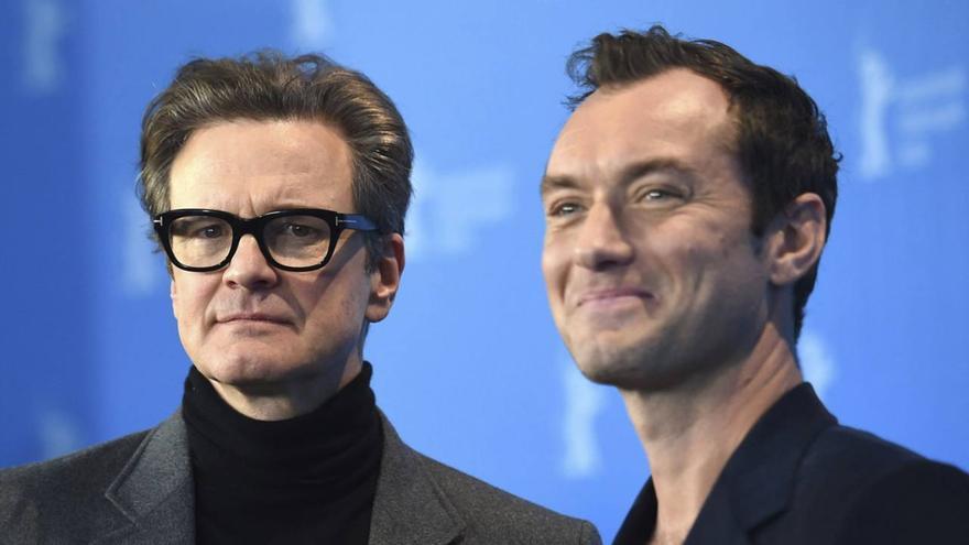 Colin Firth y Jude Law, durante la Berlinale 2016, presentando 'El editor de libros'