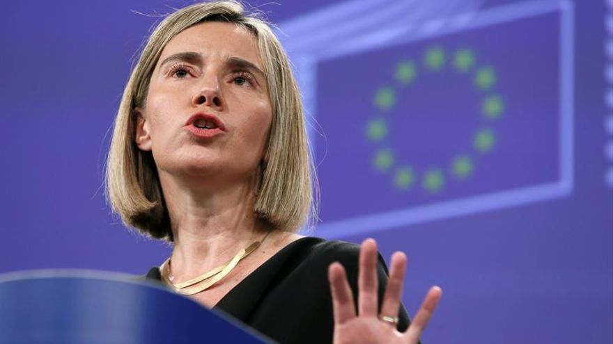 Mogherini: UE seguirá apoyando la caída de muros y a quienes huyen de guerra