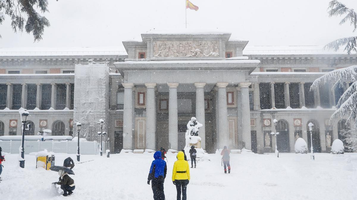 El Museo del Prado durante la nevada de enero de 2021.
