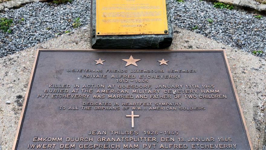 Monumento a la memoria de Alfred Etcheverry en Gosedorf. Fuente: American War Memorials Overseas (https://www.uswarmemorials.org/html/monument_details.php?SiteID=783&MemID=1083).