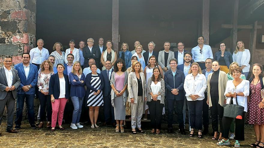 Foto de familia de los participantes del foro de 'Saborea España'.
