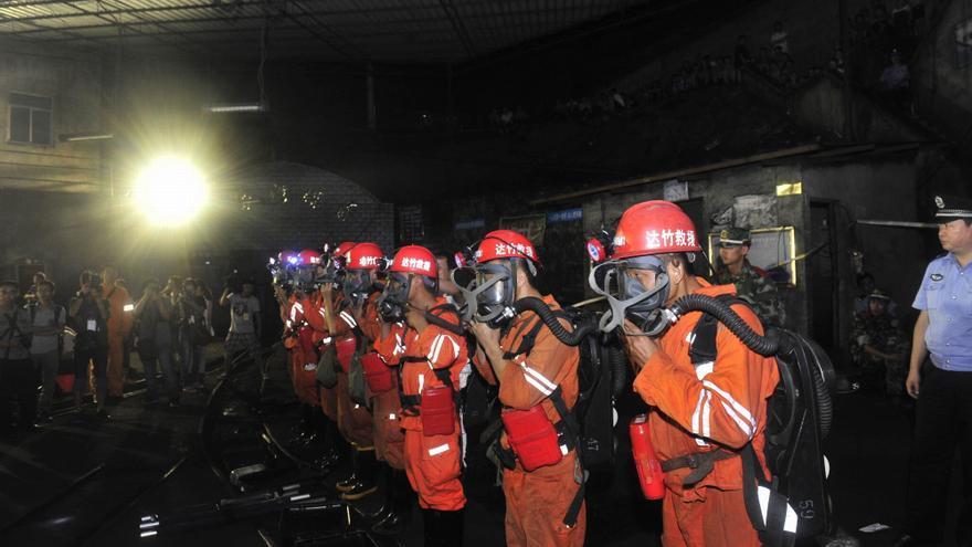 Aumentan a veinte los muertos tras un accidente en una mina de carbón en China