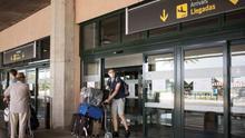 El plan de España para la reapertura de fronteras incluye controles digitalizados y de temperatura pero no pruebas en los aeropuertos