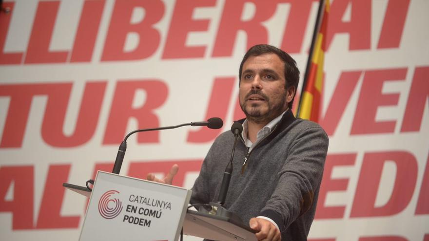 Alebrto Garzón, durante su último acto de campaña en Catalunya este domingo en Blanes (Girona).