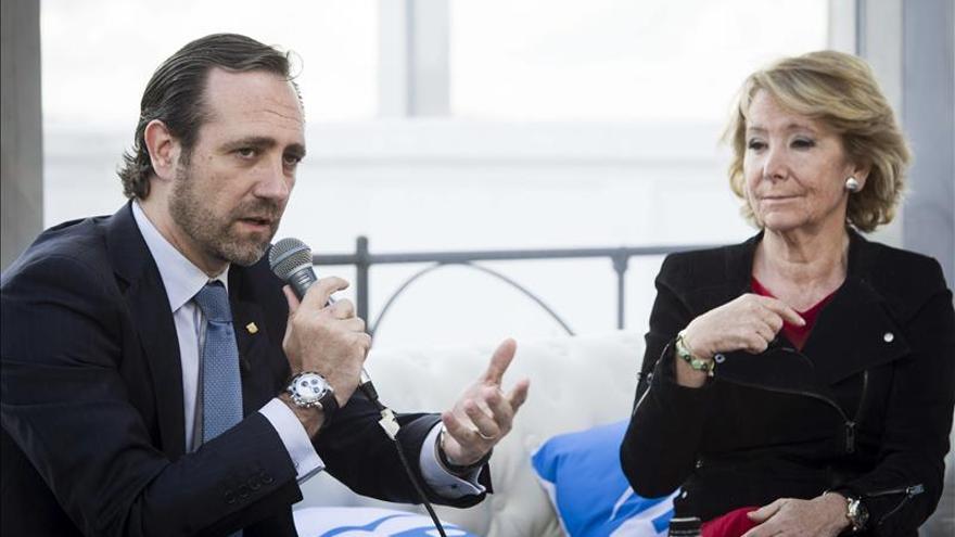 """Aguirre reclama una bajada de las """"exorbitantes"""" tasas a las líneas low cost"""