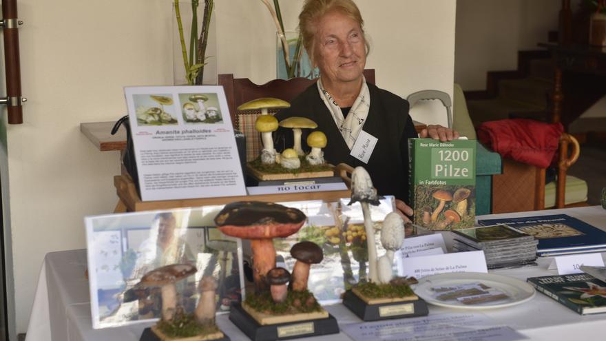 La micóloga Rose Marie Dähncke ha investigado las setas durante 70 años.