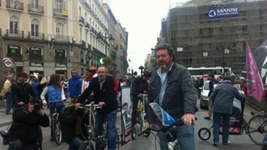 López Uralde. Campaña En Bicicleta