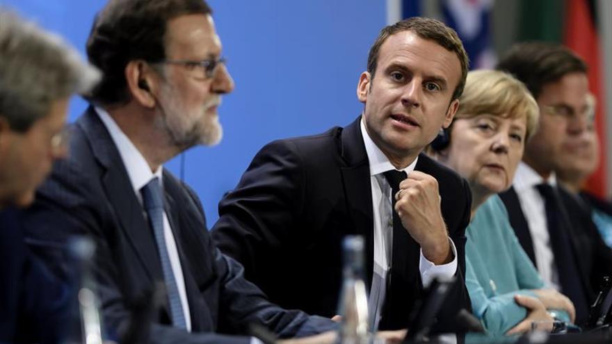 Rajoy se reunirá en Francia el 28 de agosto con Macron, Merkel y Gentiloni