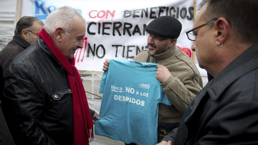 Cayo Lara pedirá al Gobierno que medie para evitar los despidos en Roca