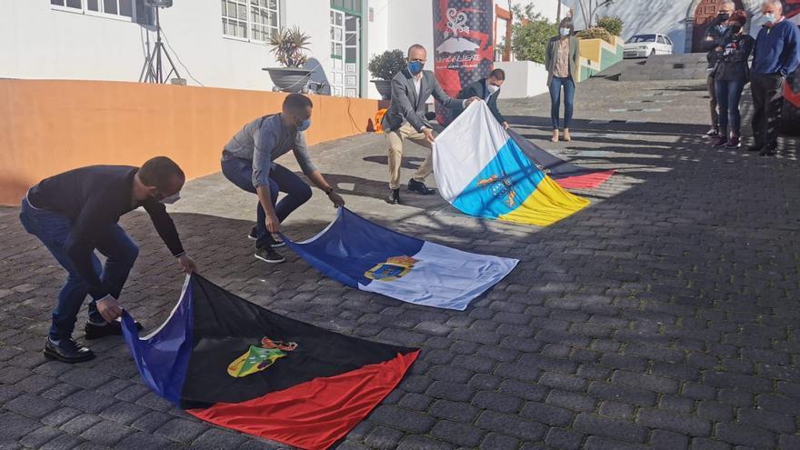 Fuencaliente completa su Paseo de la Fama con las placas de los últimos ganadores de la Transvulcania