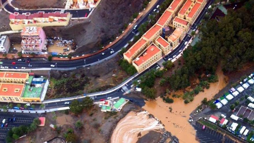 Imagen de Arguineguín captada por la Escuela de Ultraligeros Canaire. (www.canaire.com)..jpg