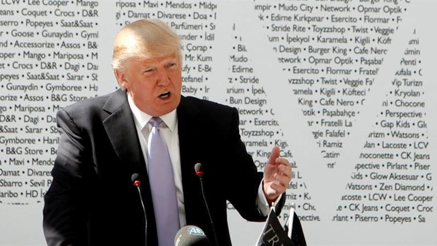 El plan de Trump para aislarse de sus negocios deja muchas dudas