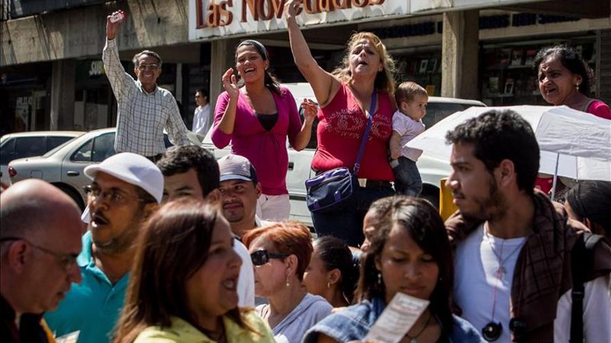 """Venezuela crea """"comandos"""" anticolas y la oposición denuncia el motivo de las mismas"""