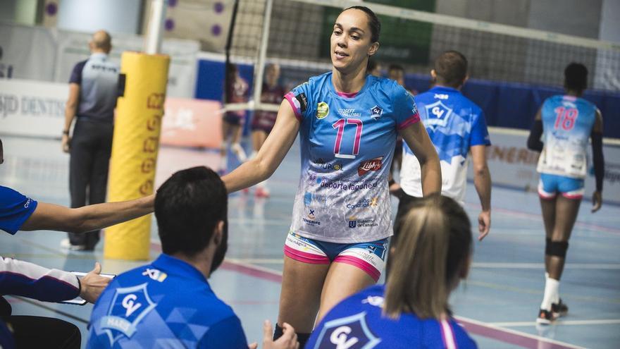 Flavia Dias, en un partido de la presente temporada con la camiseta de Dimurol Libby's