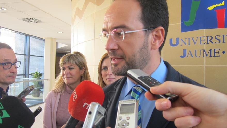 """Hernando (PSOE) aplaude la admisión a trámite de los recursos de Castor porque era """"muy importante"""" que siga adelante"""