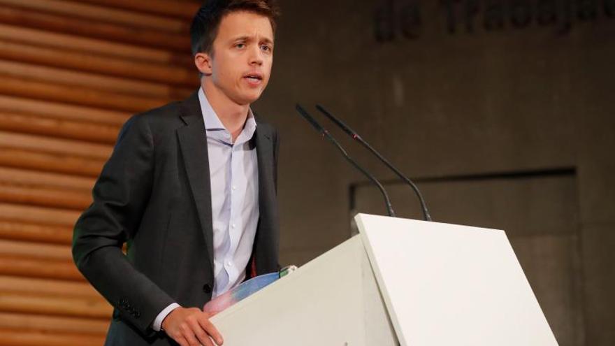 Errejón vuelve a poner su foto en la papeleta electoral de Más País del 10N
