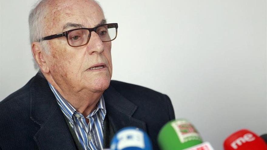 El líder de Los Sabandeños, Elfidio Alonso, en rueda de prensa.