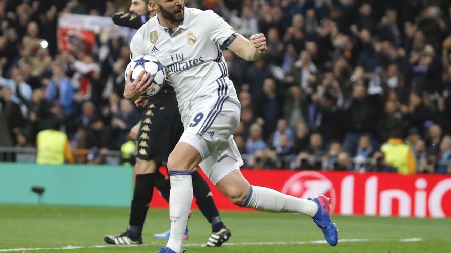 Benzema logró el tanto del empate ante el Nápoles.