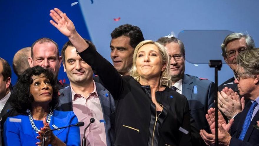 """Le Pen arranca su campaña con la intención de emular a Trump y el """"brexit"""""""