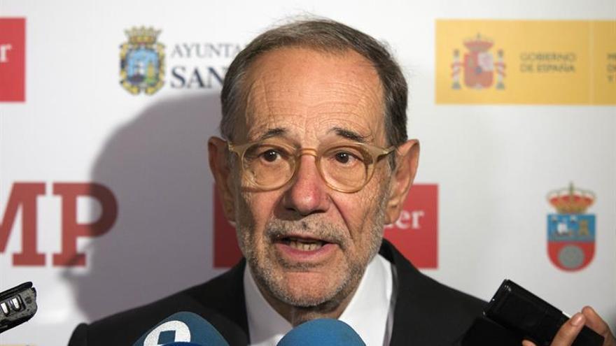 Javier Solana ve a Pedro Sánchez como líder de la oposición