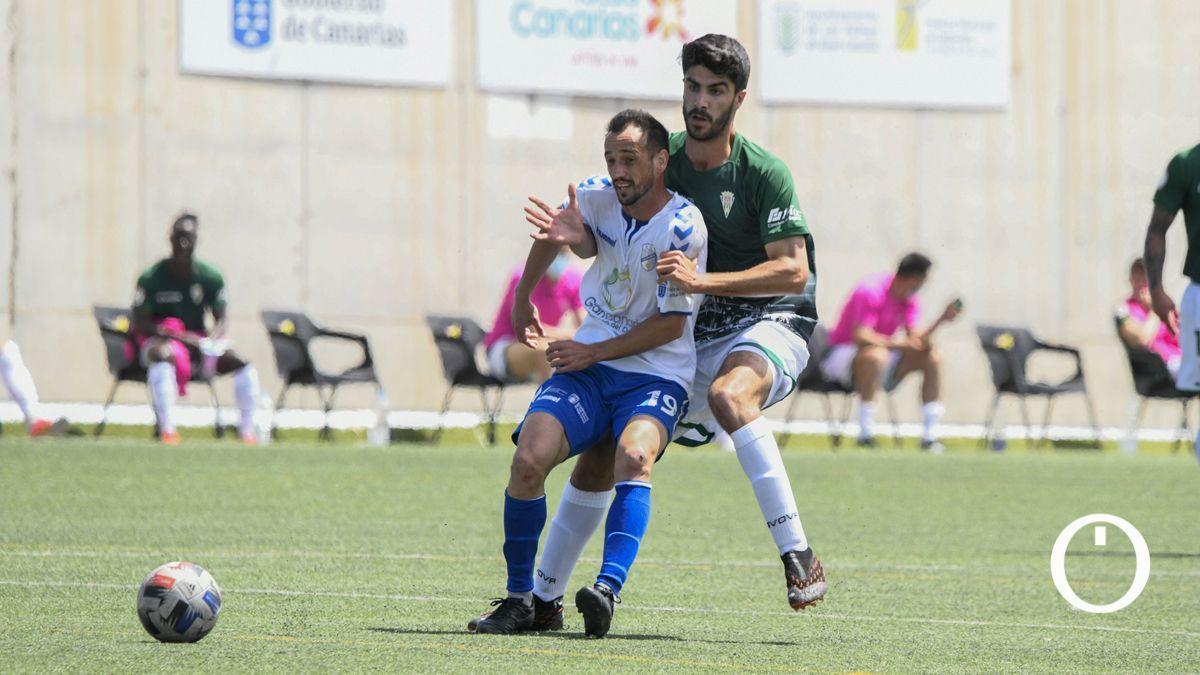 Ricardo Visus, con el Córdoba en la temporada 2020-21