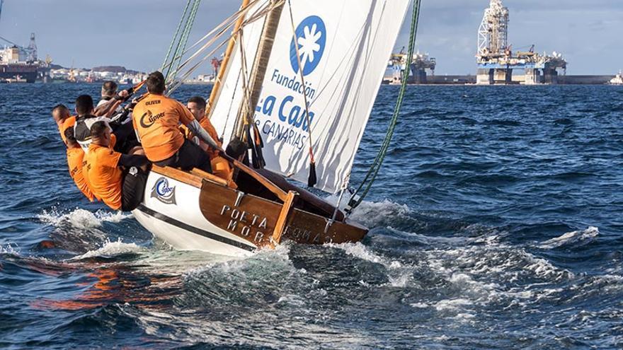 El bote Tomás Morales.
