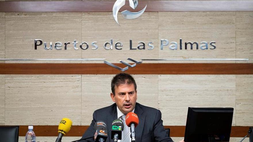 El presidente de la Autoridad Portuaria de Las Palmas, Luis Ibarra, durante la presentación del balance económico del año que termina y los objetivos para el 2016. EFE/Ángel Medina G.