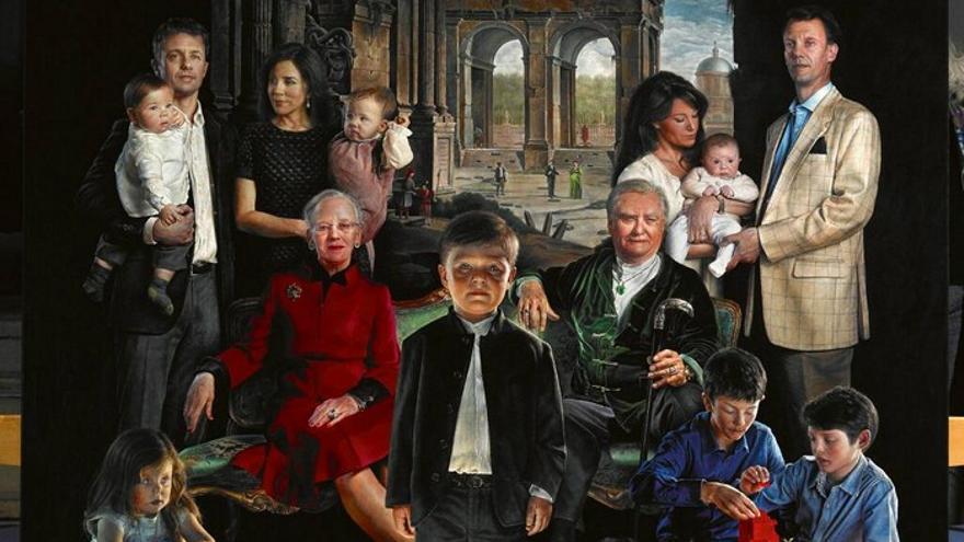 PUNTADAS CON HILO - Página 4 Retrato-espeluznante-familia-Thomas-Kluge_EDIIMA20131125_0650_5