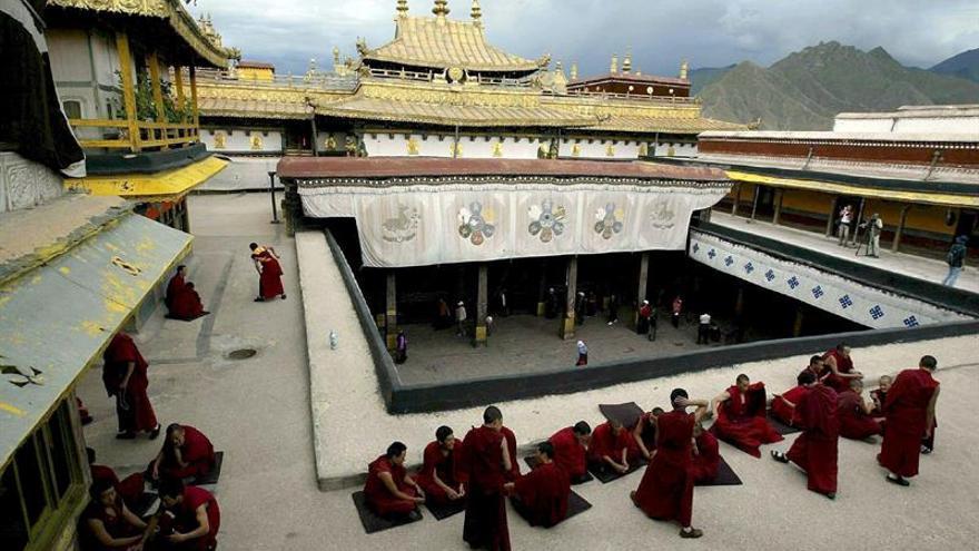 Un incendio afecta el templo de Jokhang, uno de los más sagrados del Tíbet