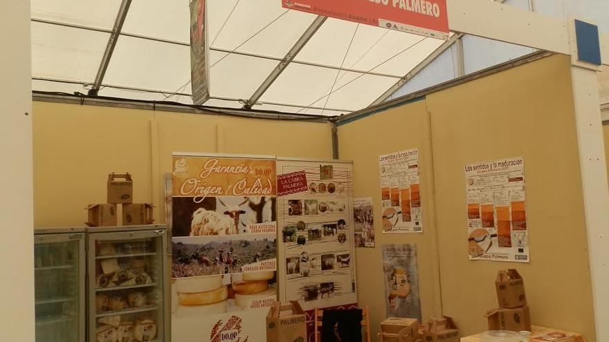 En la imagen, estand de Queso Palmero de Denominación de Origen Protegida en la Feria de Transvulcania.