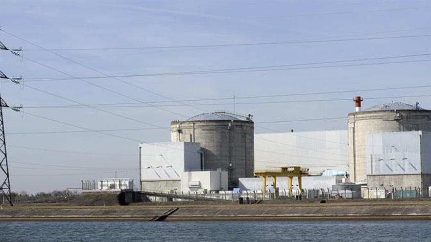 El Gobierno francés decide el cierre de una central nuclear sin fijar fecha