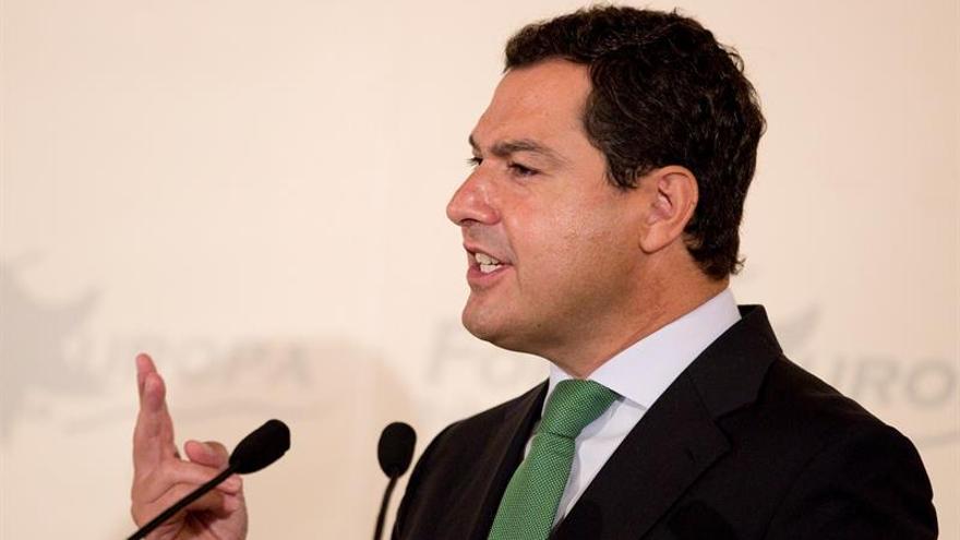 """Moreno urge a Díaz a que pierda """"miedo escénico"""" a apoyar abstención a Rajoy"""
